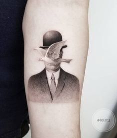 40 Stylish Realism Tattoos by Zlata Kolomoyskaya - Straight Blasted Line Art Tattoos, Dope Tattoos, Body Art Tattoos, Small Tattoos, Sleeve Tattoos, Tattoos For Guys, Surreal Tattoo, Single Needle Tattoo, Explore Tattoo