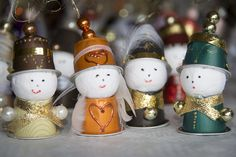 Figurines de Noël - Recyclage Nespresso | par Danielle Bonardelle Christmas Tree Ornaments, Christmas Time, Christmas Crafts, Diy For Kids, Crafts For Kids, Xmas Decorations, Craft Gifts, Diy And Crafts, Projects To Try