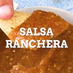 Chicken Enchiladas Discover Salsa Ranchera Salsa Ranchera: The Perfect Salsa - This salsa ranchera recipe makes the best salsa with fresh tomatoes jalapenos (or serranos) onion garlic cilantro and more. Hard to beat this roasted salsa! Hot Sauce Recipes, New Recipes, Chicken Recipes, Cooking Recipes, Healthy Recipes, Homemade Salsa Recipes, Mexican Hot Sauce Recipe, Latin Food Recipes, Salsa Canning Recipes