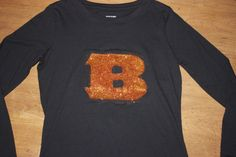 Cincinnati Bengals DIY Glitter Shirt | Look fashionable and support your favorite sports team with this easy DIY glitter shirt!