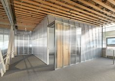 Polycarbonate - internal partition with steel stud [Polycarbonate]