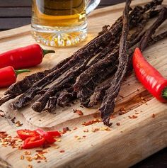 How to make your own delicious spicy biltong chili bites (peri-peri sticks) at home. Easy quick recipe for a South African Favorite! Quick Recipes, Quick Easy Meals, Quick Snacks, Free Recipes, Peri Peri Recipes, Sausage Recipes, Cooking Recipes, Jerky Recipes, South African Recipes