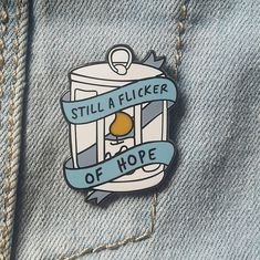 Grab this Niall Horan Flicker inspired enamel pin. Click the photo to see more One Direction enamel pins available in our store. One Direction Gifts, One Direction Merch, Niall Horan, Gifts For Friends, Gifts For Her, Bag Pins, Fanart, Jacket Pins, Hard Enamel Pin