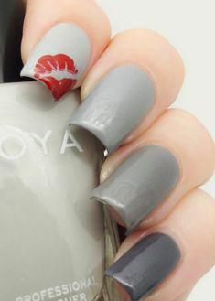 Fingernägel schlicht Design bilder grau rot lippen