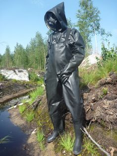 Man wearing heavy rubber and PVC chest waders Mackintosh Raincoat, Latex Wear, Rubber Raincoats, Heavy Rubber, Rain Gear, Pvc Vinyl, Character Design References, Catsuit, Rain Boots