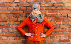 The colour is Brick!  Cap Tikka, scarf Rika and boiled wool cardigan Felizia.