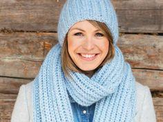 So strickt ihr euch ein wunderschönes Set aus Schal und Mütze