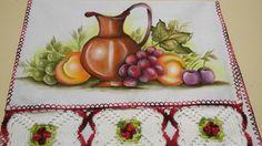 PANOS DE COPA PINTADOS A MÃO <br> <br>Tecido de alta qualidade , com acabamentos em croche, pintado a mão . <br> <br>Lindo pano decorativo para você presentear ou decorar sua cozinha.