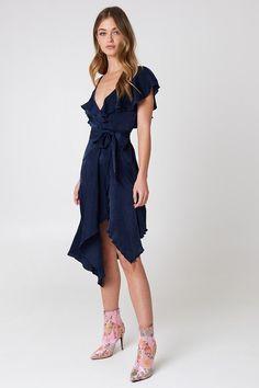 Asymmetric Wrap Frill Dress | na-kd.com