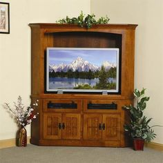 Amish Made Mission Corner Entertainment Center Amish Made Mission Corner Entertainment Center. Available in three sizes. Choice of wood, finish and hardware. Decor, Mission Furniture, Entertainment Center Diy Plans, Amish Furniture, Tv Decor, Corner Entertainment Center, Entertainment Console, Mall Decor, Entertainment Room Decor