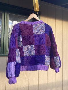 Crochet Diy, Crochet Crafts, Crochet Hooks, Crochet Projects, Crochet Ideas, Crochet Designs, Crochet Patterns, Crochet Cardigan Pattern, Quilt Patterns