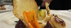 Médaillons de cerf sur purée de céleri rave, légumes du québec et jus corsé au poivre long | miummium.com