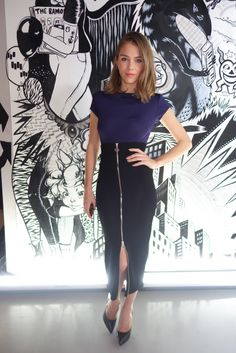 365 days of looks: Maripier Morin Day 59 / 365 jours de looks: Maripier Morin Jour 59 Meeting Outfit, Work Skirts, Fashion And Beauty Tips, Style Challenge, Celebrity Outfits, Office Fashion, Rock, Spring Outfits, Dress Skirt