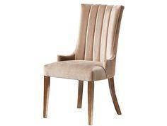 A Cadeira Zamora é toda estofada, com detalhes em costura no encosto, dando mais charme ao produto! Ficará linda em sua sala de jantar. Pés fixos de madeira tingida. Disponível em outros acabamentos conforme nosso mostruário. Medidas LxHxP: 55x99x70