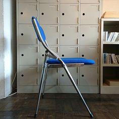 パイプ椅子 ¥19,440(taxin)