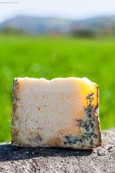Queso Gamonéu o Gamonedo #queso #cheese #Gastronomía #Gastronomy #ParaísoNatural #NaturalParadise #Asturias #Spain