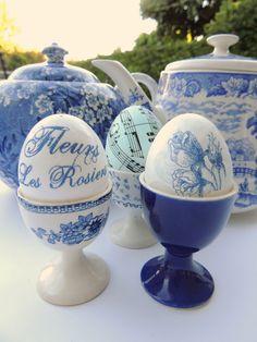 Tazas & Cuentos: Más Huevos de Pascua, Decoupage y Hueveras...More Decoupage, Easter Eggs and Egg-Cups