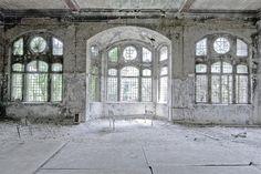 By Giacomo Benamati     The last patient    Abandoned Beelitz-Heilstätten sanatorium