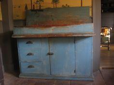 I found this last Saturday, a wonderful blue drysink, it's a keeper.