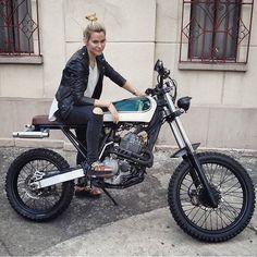 "dropmoto: ""Tall and lean. Nice Honda XR400 too. Build by @luckybastardcustomgarage, body by @williams_jenny. #dropmoto #builtnotbought #vintagemotorcycle #enduro #streettracker #tracker #honda..."
