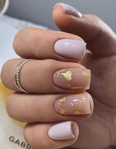 70 Beautiful Natural Short Square Nails Design For Winter Nails & Spring Nails 2020 - Page 3 of 14 - The Secret of Modern Beauty Cute Nails, Pretty Nails, My Nails, Pretty Short Nails, Square Nail Designs, Short Nail Designs, Winter Nails, Spring Nails, Nails Ideias