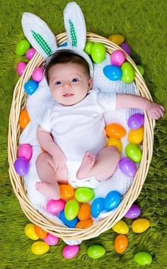 baby photography Baby first easter photography baskets 25 Trendy ideas Baby Boy Pictures, Newborn Pictures, Easter Pictures For Babies, Infant Pictures, Family Pictures, Baby's First Easter Basket, Easter Baby, Easter Baskets, Happy Easter