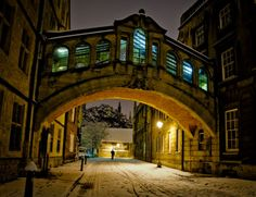 | ♕ | Oxford in the night, England | by tanvach | via allthingseurope