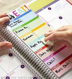 Ok, this is seriously genius! A reusable menu planner that you can update each week! My family so needs this! DIY Erin Condren Snap-In Meal Planner/To-Do List & FREE Printable! | Where The Smiles Have Been