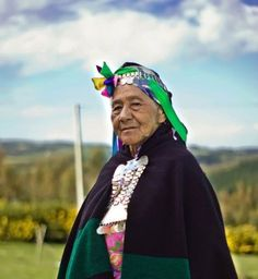 The Mapuche people are the largest ethnic group in Chile and constitute… We Are The World, People Around The World, Folk Costume, Costumes, Equador, Cultural Diversity, World Cultures, First World, Patagonia