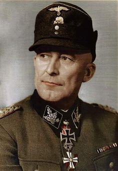 31. Dezember 1941 bis 19. April 1942 SS-Brigadeführer und Generalmajor der Waffen-SS Matthias Kleinheisterkamp  December 31, 1941 to April 19, 1942 SS Brigade Commander and Major General of the Waffen SS Matthias Kleinheisterkamp