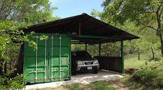Carport pour une voiture abritant en sus un container de 6 m2 à usage de bodega de rangement