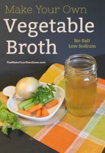 How to make your own vegetable stock - An easy recipe to make homemade low sodium vegetable broth Low Calorie Vegetables, Freezing Vegetables, Frozen Vegetables, Healthy Vegetables, Low Salt Recipes, Low Sodium Recipes, Whole Food Recipes, Sodium Foods, Fast Recipes