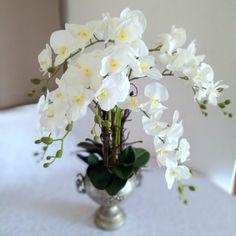 Snieznobialy Storczyk W Metalowej Wazie Nr 164 Swiateczne Atelier Plants
