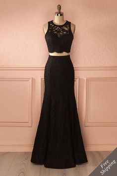 Sherlyn - Black lace top and fitted maxi skirt set Grad Dresses, Evening Dresses, Short Dresses, Formal Dresses, Mode Outfits, Dance Outfits, Black Lace Crop Top, Gowns Of Elegance, Classy Outfits