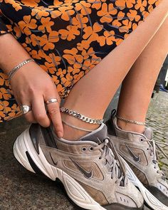 - BP - met w fans at a dog park and insta post Dr Shoes, Sock Shoes, Me Too Shoes, Sneakers Mode, Sneakers Fashion, Fashion Outfits, Fashion Fashion, Pretty Shoes, Cute Shoes