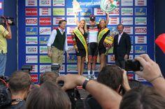 Wilfried Haslauer gratuliert dem Glocknerkönig Baseball Cards, Sports, Hs Sports, Sport
