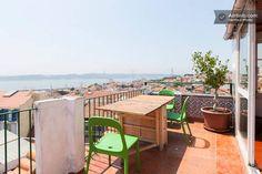 Ganhe uma noite no Cosy Penthouse Room-Panoramic view em Lisboa no Airbnb!