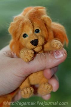 Beautiful Needle felting wool cute animals lion (Via ) Needle Felted Animals, Felt Animals, Cute Animals, Wet Felting, Needle Felting, Wonder Zoo, Wooly Bully, Felt Cat, Felting Tutorials