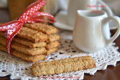 I biscotti rustici integrali sono ideali per chi, come me, ama i sapori rustici di una volta.