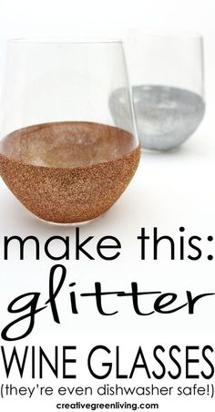 How to make stemless DIY glitter wine glasses. These ones are even washable in the dishwasher! This is such a fun idea for a bridal shower, girls night or Christmas! Learn how to make stemless DIY glitter wine glasses - they're even dishwasher safe! Glitter Wine Bottles, Glitter Wine Glasses, Diy Wine Glasses, Decorated Wine Glasses, Painted Wine Glasses, Stemless Wine Glasses, Diy Birthday Wine Glasses, Diy Wedding Wine Glasses, Diy Christmas Wine Glasses