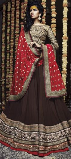 INDIAN VILLAGE BELLE - style straight from rural India http://www.indianweddingsaree.com/product/162470.html. shop now!  #Lehenga #IndianWedding #Partywear #Brown #Divine #bride #bridalwear #colorblock #ethnicwear #embroidery