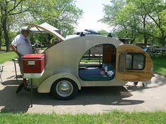 This would be perfect for camping with my dogs. They can't dig out of a little camper!