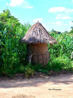 Crop storage in a Ugandan village