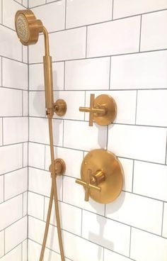 Vibrant French Gold Shower Head - Design photos, ideas and inspiration. Amazing gallery of interior design and decorating ideas of Vibrant French Gold Shower Head in bathrooms by elite interior designers. Bathroom Lights Over Mirror, Gold Bathroom Faucet, Brass Bathroom Fixtures, Shower Fixtures, Bathroom Renos, Bathroom Ideas, Shower Fittings, Bathroom Hardware, Basement Bathroom