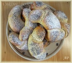 Peelers (sweet rolls) - My site Slovak Recipes, Czech Recipes, Mexican Food Recipes, Dessert Recipes, Home Baking, Polish Recipes, Croissant, Food Hacks, Sweet Tooth