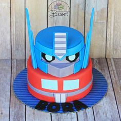 Transformers: Optimus Prime Cake
