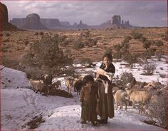 Navajo Shepherdess Girls in Winter Date: Places: Monument Valley (Ariz. and Utah) Navajo Indian Reservation Native American Images, American Indian Art, Native American History, Native American Indians, American Life, Native American Photography, Navajo People, Native Indian, Monument Valley