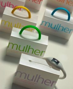 mulher watches - the band also serves as the package handle. packaging, the watches suck but these designs are eye catching.