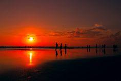 Gambar indah ini ada di Bali, Yogyakarta juga menjadi salah satu kota tujuan wisata di Indonesia selain tempat belajar yang membangakan bagi putra putri terbaik Indonesia.