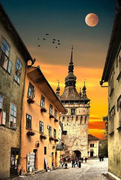 The citadel of Sighisoara, UNESCO Heritage Site, considered to be the most beautiful and well preserved inhabited citadel in Europe and one of the only few fortified towns in the world still inhabited. www.romaniasfriends.com/tours